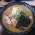 桃福 味噌ら〜めん大盛り+ナムル+フキ